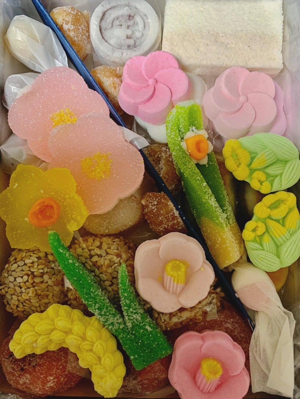 季節を写す美しく繊細な日本のお菓子